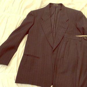 40R Giorgio Armani suit 32x32 navy w/pin stripes